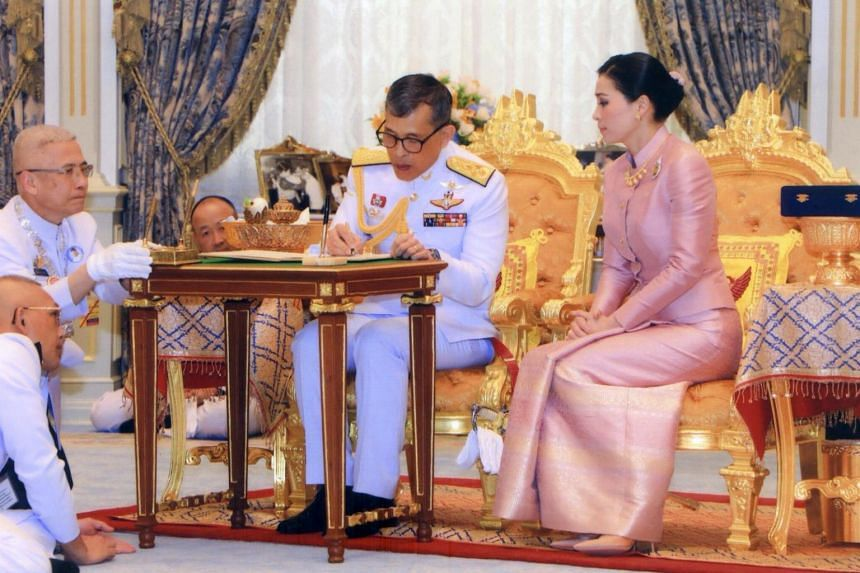 King Maha Vajiralongkorn made Ms Suthida a full general in December 2016, and the deputy commander of the king's personal guard in 2017.