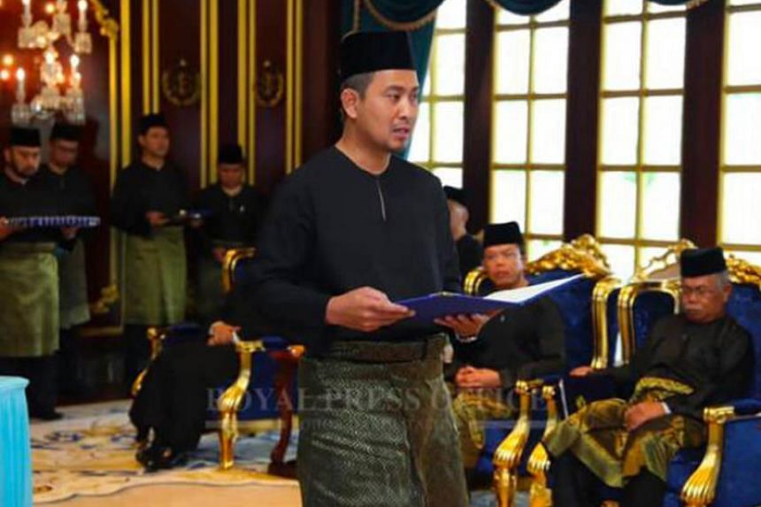 At least 21 out of the 26 Parti Pribumi Bersatu Malaysia (PPBM) division chiefs defied Prime Minister Mahathir Mohamad's order by pledging support for new Menteri Besar Sahruddin Jamal (above), as the state PPBM leader.