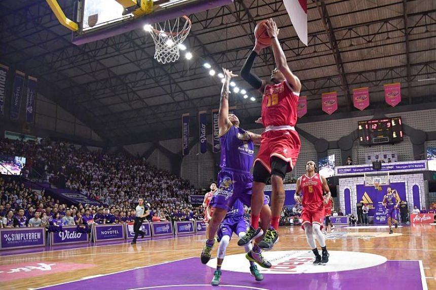 Singapore Slingers ground out a precious away win against the BTN CLS Knights at GOR Kertajaya, Surabaya for the Game 3 in the Best of 5 Finals on May 8, 2019.