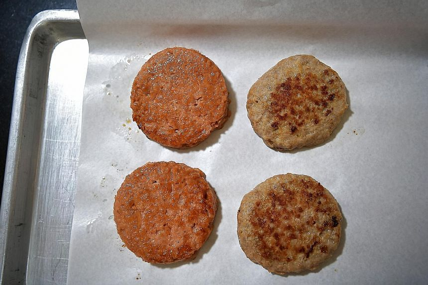 Cooked Omnipork (left side) versus real pork.