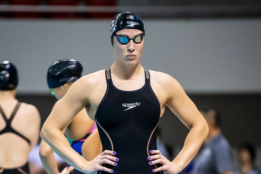 Sophie Pascoe set a world record in the women's 200m individual medley, clocking 2min 25.22sec at the World Para Swimming World Series in Singapore.