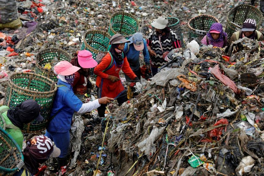 Waste imports to Indonesia soared from 10,000 tonnes per month in late 2017 to 35,000 tonnes per month in late 2018.