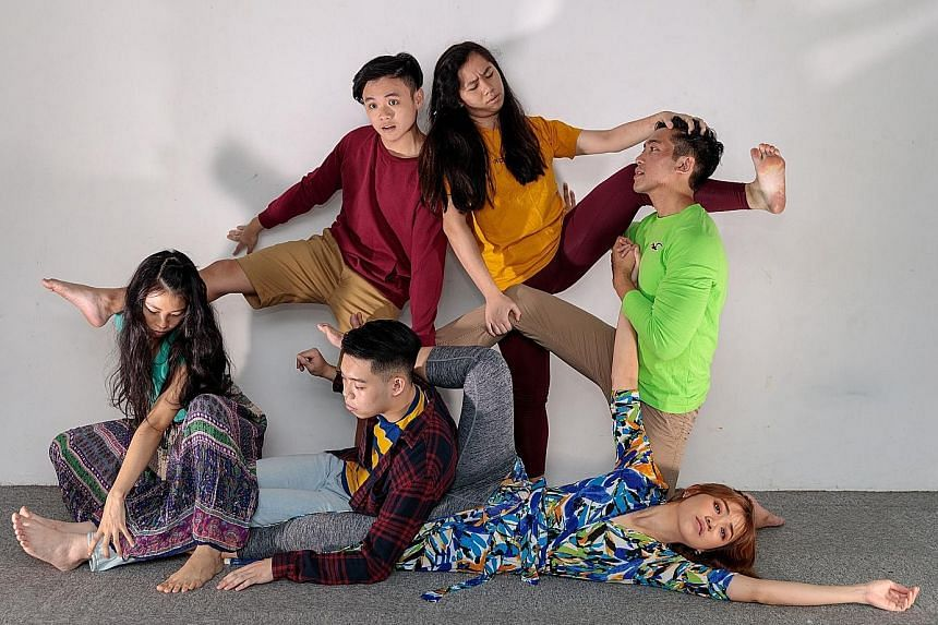 Cast of Colours by Split Theatrical Productions includes (clockwise from far left) Teresa Chen, Lim Jun De, Lim Ci Xuan, Fadhil Daud, Mabel Yeo and Joey Teo.