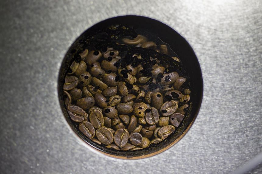 Farmers in Indonesia may harvest 690,000 tonnes of robusta coffee beans in coming months, according to Bloomberg.