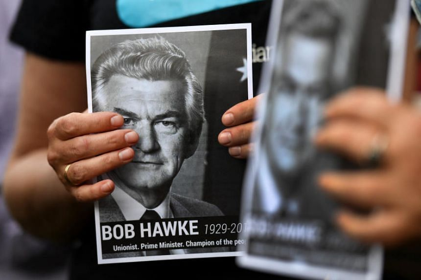 In a letter, Prime Minister Lee Hsien Loong said that Mr Hawke's strong leadership as prime minister from 1983 to 1991 ushered in a period of prosperity for Australia.