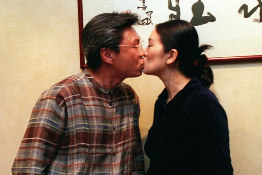 Gong Li and Singaporean businessman Ooi Hoe Seong were married for 13 years. They divorced in 2010.