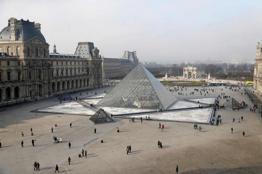 I.M. Pei created a 21m-high glass pyramid as the entrance to the Louvre museum in Paris, which drew the hostility of many French who thought it clashed with the classical style of the rest of the facility.