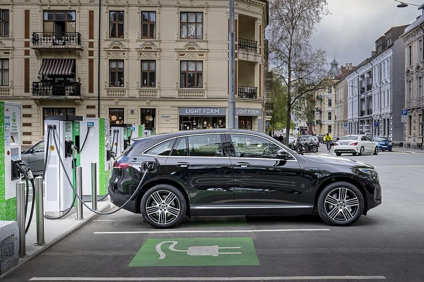 With a 7.4kW residential charger, the batteries of the Mercedes-Benz EQC need 11 hours to achieve full charge from 10 per cent.
