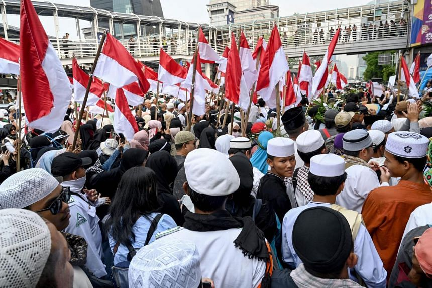 Indonesian protesters, mainly supporters presidential candidate Prabowo Subianto, stage a demonstration against alleged voting fraud in the recent Indonesian election in Jakarta on May 10, 2019.