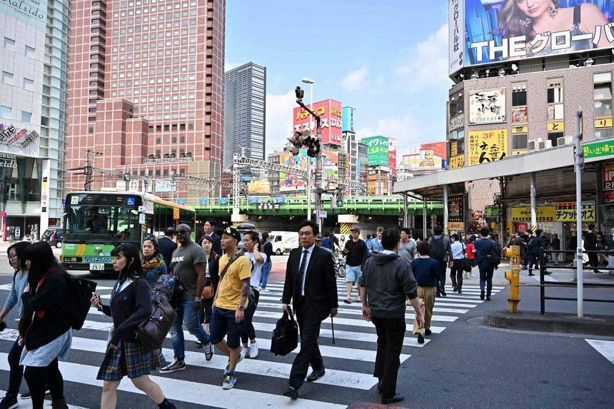 The average expatriate pay package provided by companies in Japan to mid-level employees is US$386,451 (S$532,104) a year.