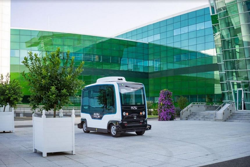 Using an EZ10 shuttle (above) supplied by France's EasyMile, the trial will start within the campus, plying between Heng Mui Keng Terrace and Business Link.