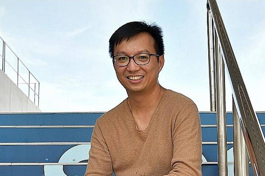 Mr Randy Ang, 37, donated $100,000 to his alma mater in 2015, which was used to launch a bursary for computer engineering students from needy families. He sees no reason to wait if he can afford to give back now. ST PHOTO: NG SOR LUAN