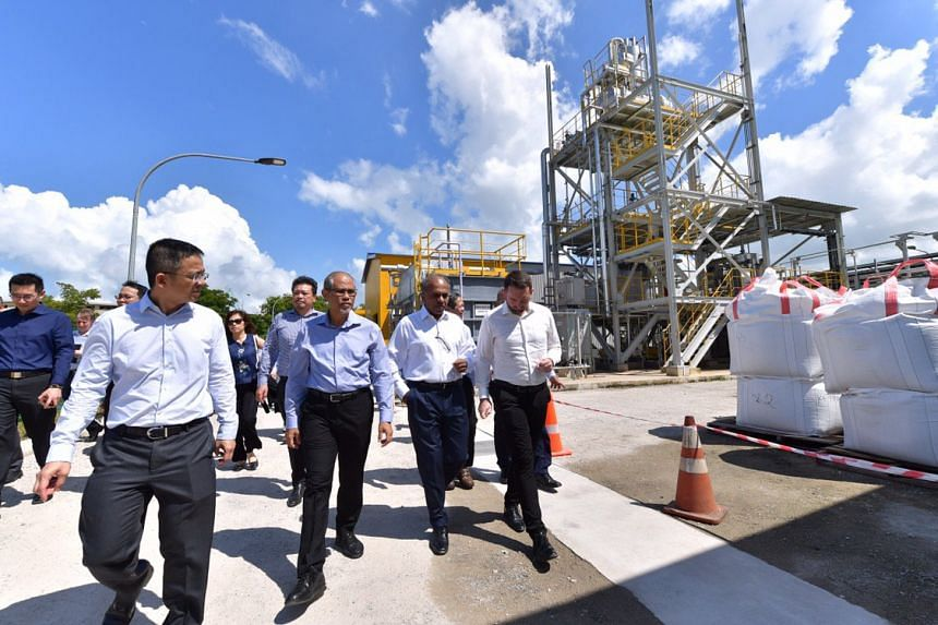 Minister for the Environment and Water Resources Masagos Zulkifli (second, left) launched the $40 million facility, which is supported by the National Research Foundation, National Environment Agency, Economic Development Board, and NTU, on Monday (M
