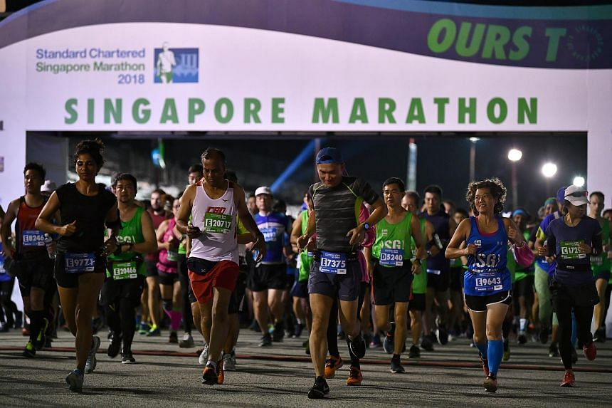 Runners at the starting line of the 2018 Standard Chartered Singapore Marathon.