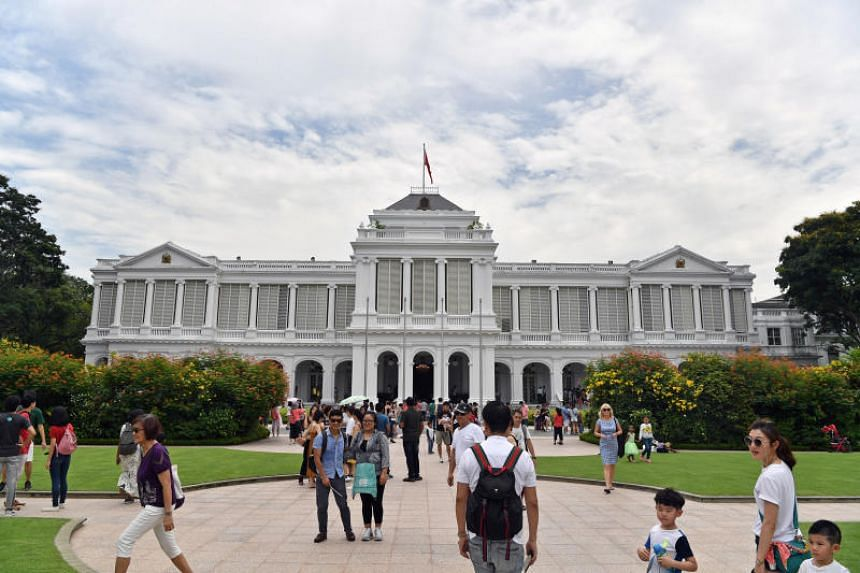 This year's Istana Hari Raya Puasa open house will have an exhibition featuring 700 years of Singapore's history, in collaboration with the Singapore Bicentennial Office.