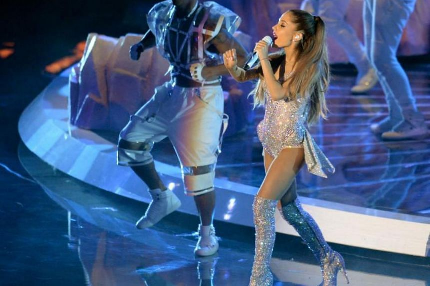 Posting on Instagram, a tomato allergy has forced Ariana Grande to cancel shows in her Sweetener World Tour.