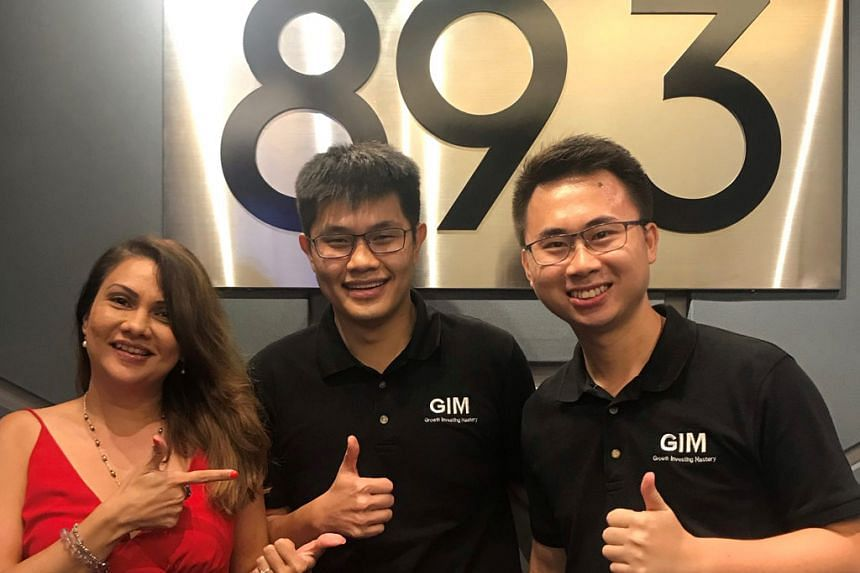 Mr Jonathan Ang and Mr Kelvin Seetoh - co-authors of Value Investing: Expand Your Circle Of Competence - weigh in on Reits in this Money Fm podcast with host Michelle Martin.