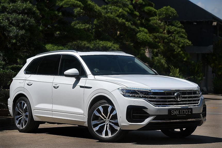 The Volkswagen Touareg serves the urbanite well with its smooth drivetrain, light and responsive throttle, tight turning circle and easy-to-modulate brakes.