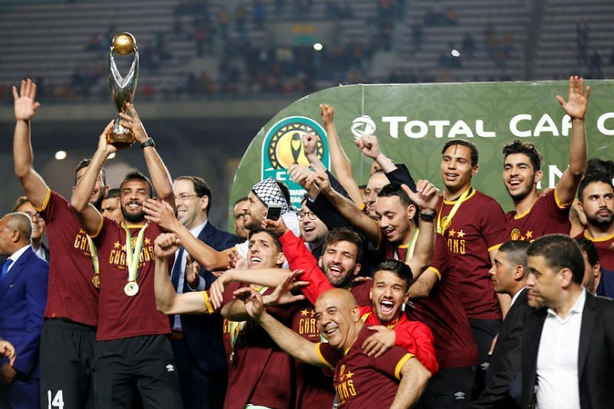 Esperance were leading 1-0 in the second leg of the final and 2-1 overall when play was halted, and after a 90-minute delay the referee awarded the match to the home side.
