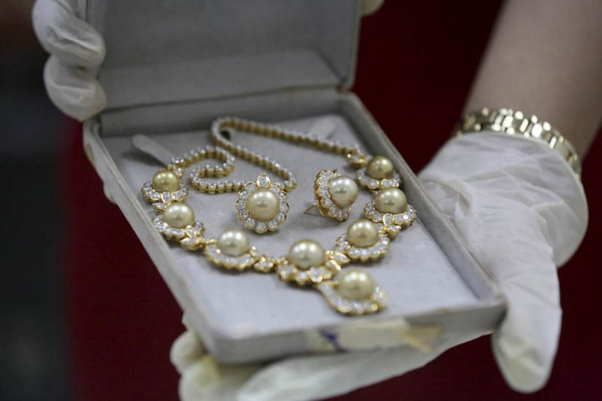 The jewellery collections have been stored in the central bank's vaults for three decades.