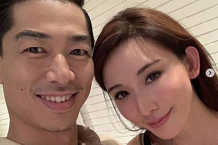 Taiwanese supermodel Lin Chi-ling, 44, posted a photo of herself and her husband Akira, whose real name is Ryohei Kurosawa, 37, on Chinese microblogging site Weibo last night, announcing that they have tied the knot.