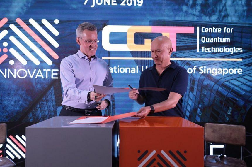 Steve Leonard (left), founding CEO of SGInnovate, and Artur Ekert, founding Director, Centre for Quantum Technologies, signed a Memorandum of Intent to promote quantum technologies and facilitate the commercialisation of quantum innovations in Singap