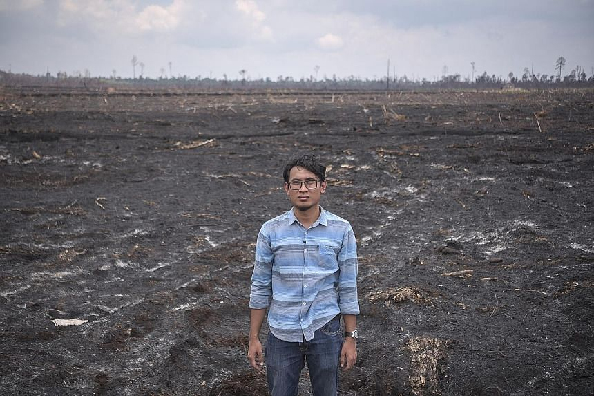 Journalist Mukhlis Senin Wijaya lost his son to haze-related causes in 2015. The boy, just 12 years old at that time, died after days of breathing difficulties. Coconut farmer Muis recalls a brush with El Nino in 2015 - his coconuts dropped to the gr