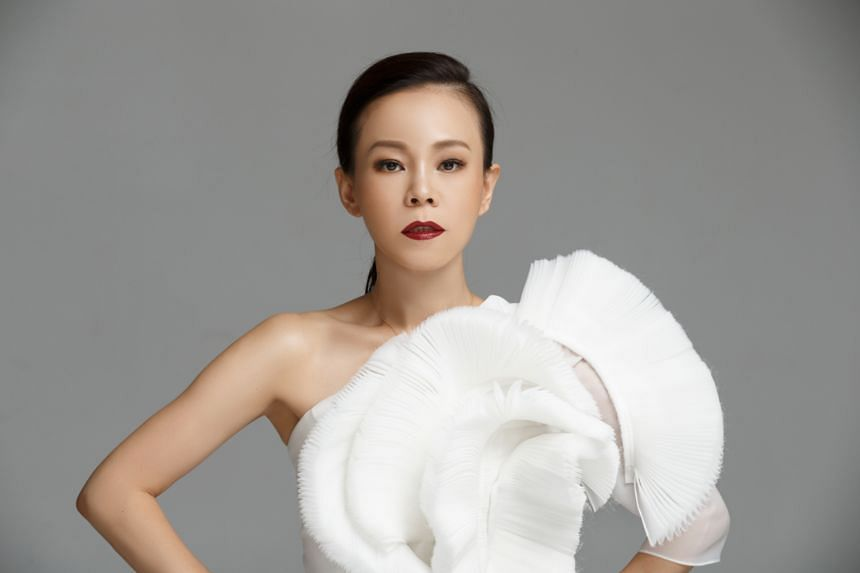 Chao Chuan won the Golden Melody Award for Best Mandarin Male Singer for the album, I'm Just A Little Bird (1990); and Julia Peng (above) won the female equivalent of the award for Darling (2015).
