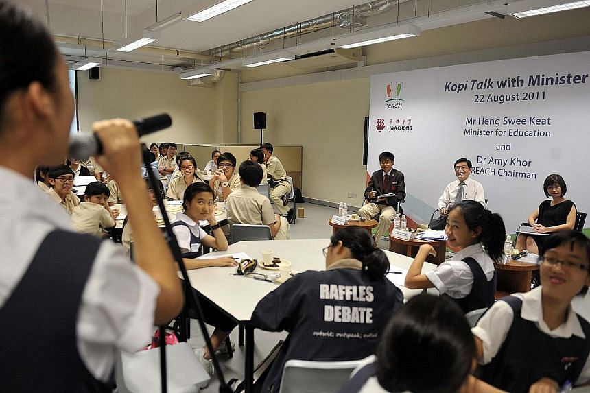 In Japan, the police officer is part of the community, working with the community to maintain law and order. Singapore learnt from the Japanese and started community policing - the most visible part being the neighbourhood police posts. Khe Bong in T