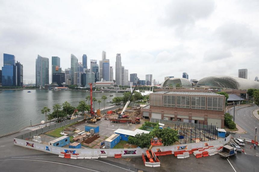 The new Singtel Waterfront Theatre at Esplanade will occupy 3,000 sq m along the Esplanade Waterfront and is being designed by a team led by local firm architects61. It will be a mid-sized theatre with 550 seats and have flexible seating