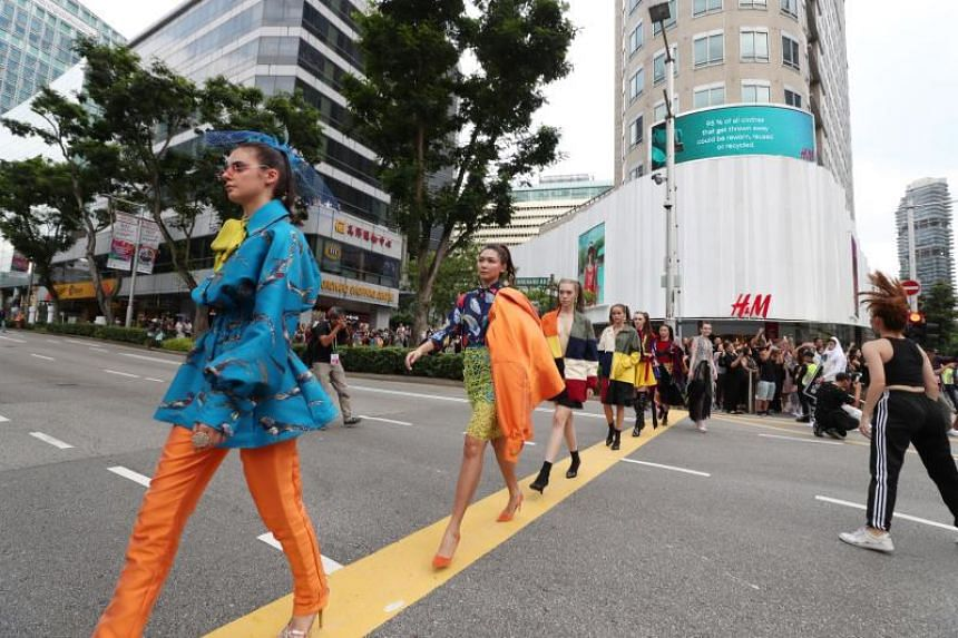 Titled Orchard Road Fashion Scramble, the fashion showcase opened with a flash mob of more than 100 dancers.