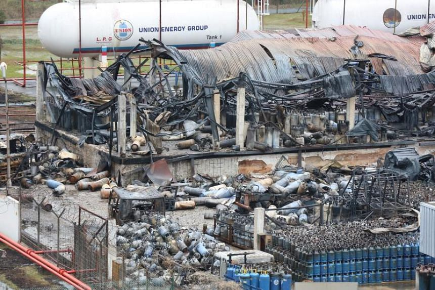The fire involved hundreds of highly flammable liquified petroleum gas cylinders of various sizes.