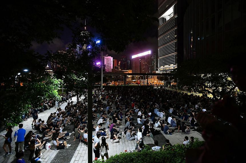 About 300 people gathering last night outside the Hong Kong Legislative Council Complex in Admiralty, where a succession of speakers spoke about police brutality and what to do in case of an arrest. They levelled accusations of police brutality after