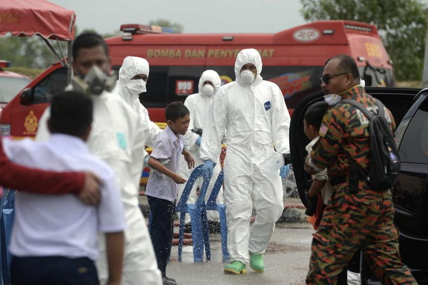 Malaysian newspaper The Star reported last Thursday that 15 students from a Taman Mawar school had suffered breathing difficulties and vomiting believed to be caused by air pollution.