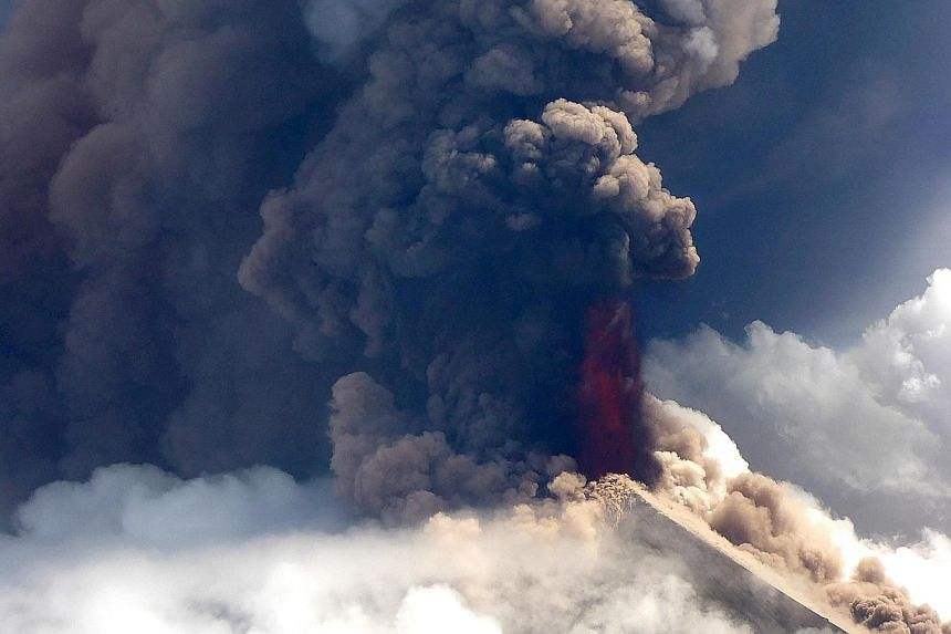 Papua New Guinea's volatile Ulawun volcano, one of the world's most hazardous, erupted yesterday, spewing lava high in the air and sending residents fleeing. A pilot for Niugini Helicopters, a chartered helicopter service provider, flying near the cr