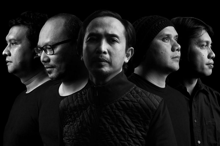 Veteran indie bands, Hujan from Malaysia and Padi Reborn from Indonesia, join forces for a one-night-only performance at the Esplanade Concert Hall.