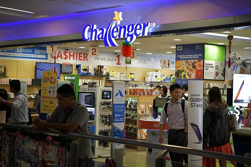 The buyout of local IT retailer Challenger was stymied as the level of opposition at yesterday's meeting exceeded 10 per cent. Its chief executive Loo Leong Thye, who was part of the buyout team, said he respected the shareholders' decision and appre