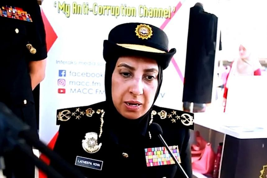Anti-graft chief Latheefa Koya said that what she had worn with her uniform were not medals but bar ribbons, which come with her post as the agency's chief commissioner.