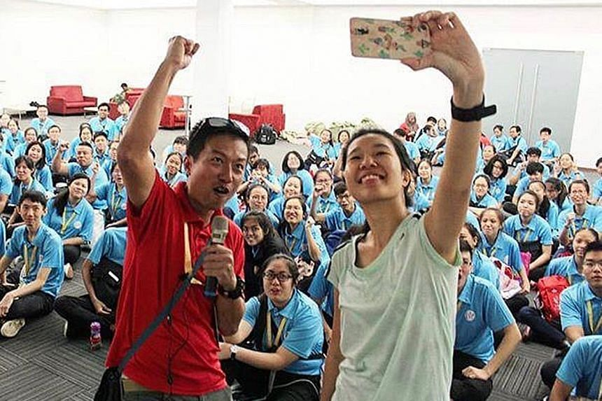 Zero Waste SG manager Pek Hai Lin with chairman of the NDP 2019 logistics and finance committee, Military Expert 6 Ignatius Tham, at a training session with NDP volunteers on June 22.