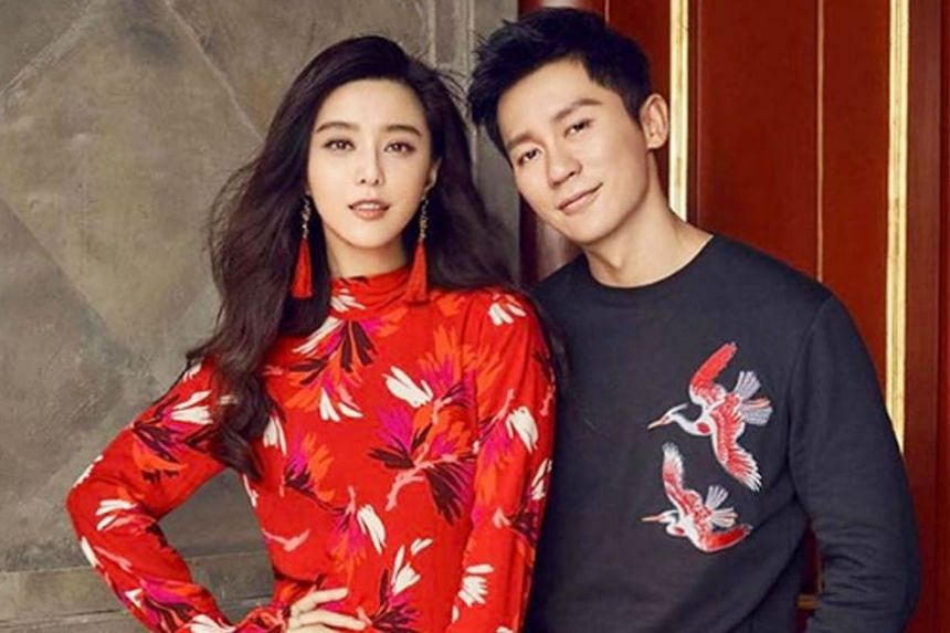 Three days after their break-up announcement, Fan Bingbing and Li Chen were spotted dining in a Thai restaurant.