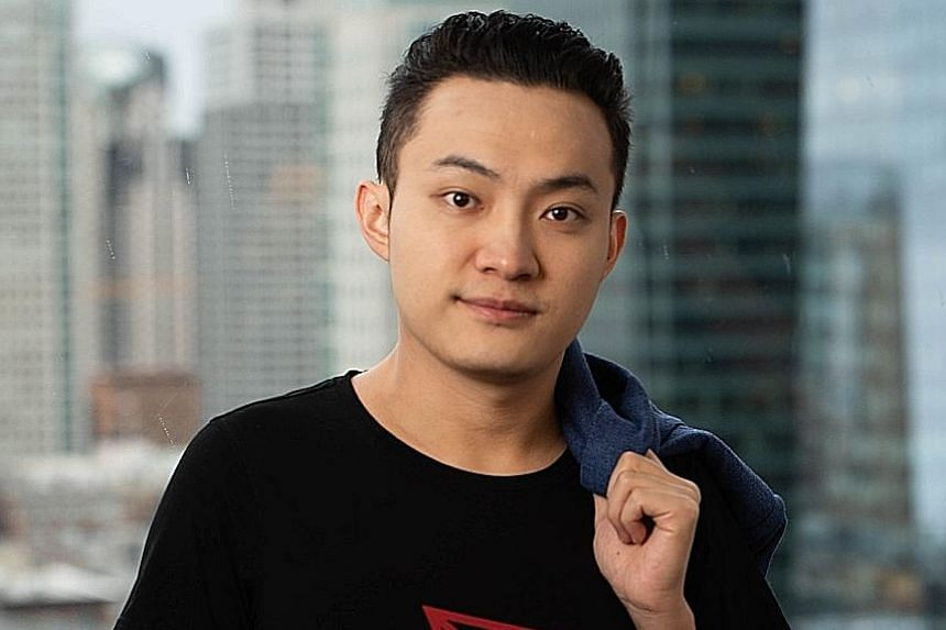 Cryptocurrency pioneer Justin Sun submitted a $6.2 million charity auction bid for lunch with investment guru Warren Buffett.