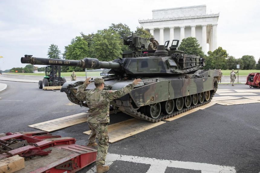US Army soldiers position a M1 Abrams main battle tank into position at the Lincoln Memorial for US Independence Day celebrations on the National Mall in Washington, on July 4, 2019.