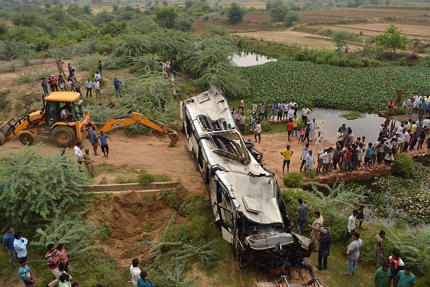 At Least 28 Killed In Indian Bus Accident South Asia News Top