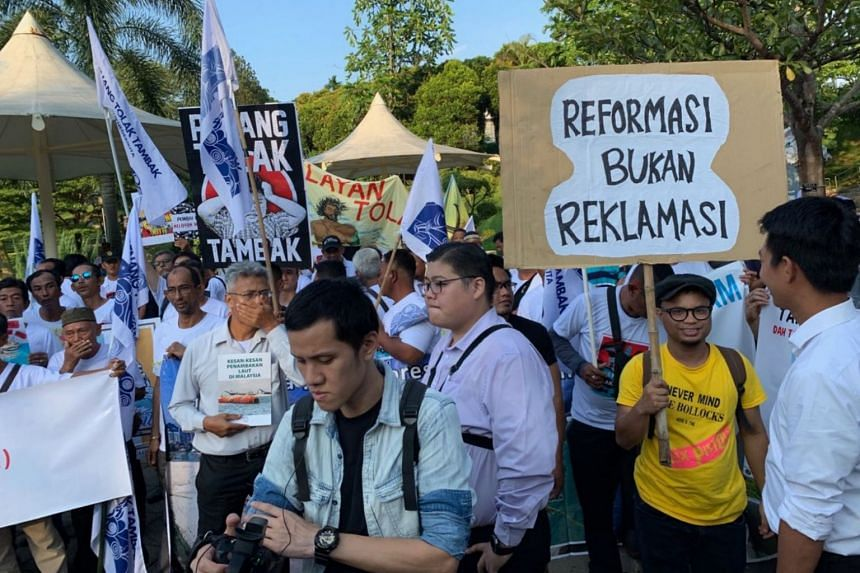 Fishermen protesting against the Penang reclamation plan in Kuala Lumpur on Thursday.