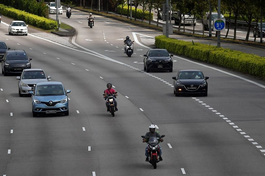 Vehicles travelling on the Central Expressway.