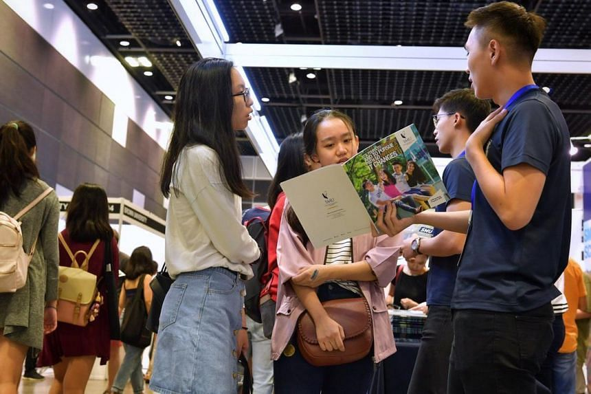 This year's fair is the physical extension of the Straits Times Scholars' Choice Supplement and included more than 40 exhibitors representing 28 universities and other institutions of higher learning. Among them were also 11 organisations offering sc
