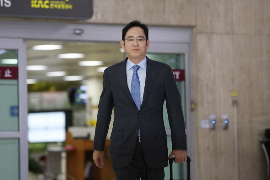 Samsung Vice Chairman Jay Y. Lee visited Tokyo last week to try to find alternative sources for semiconductors in response to Japan's export curbs against South Korea, the Korea Times reported.