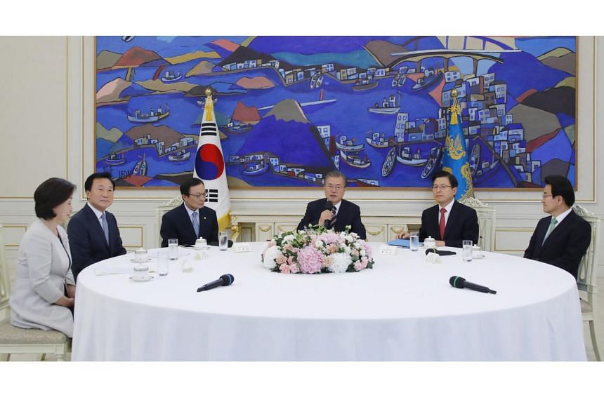 The political leaders agreed to work together to mitigate the impact the dispute may have on the South Korean economy.