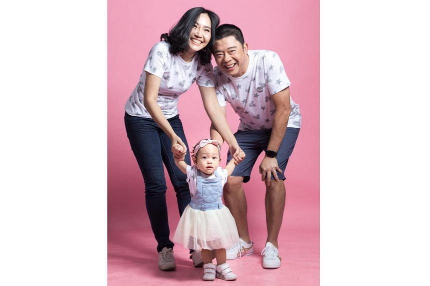 Radio deejay Bernard Lim will marry Pim Suvarnakuta and the couple will adopt 16-month-old baby Minnie.