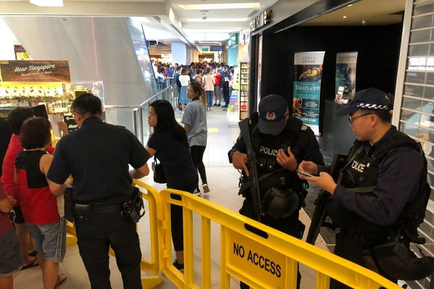 Police officers were called in at several Huawei outlets, including the outlet at Nex Mall, to manage the agitated crowd as the phones went out of stock.